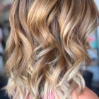 Hairstyles for medium blonde hair