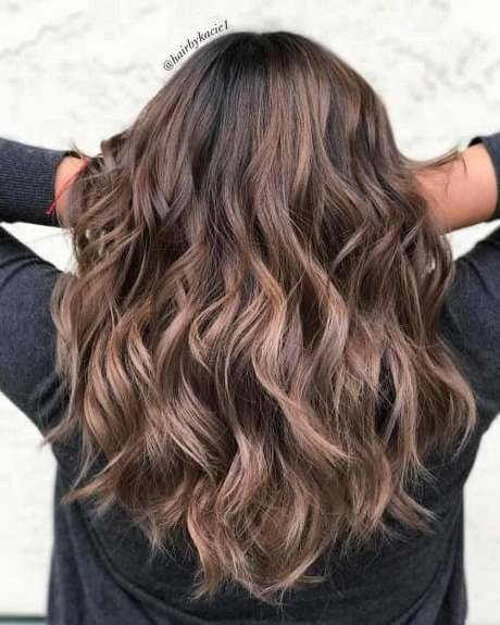 Shoulder length hair with lots of layers