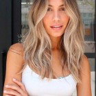 Trendy blonde hairstyles