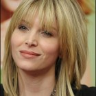 Medium layered haircuts with bangs 2018