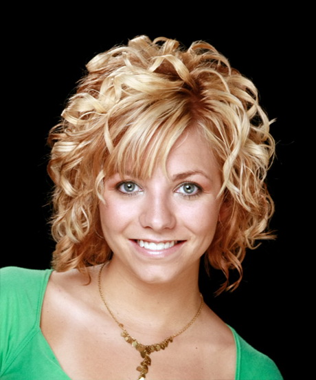 medium length hair styles for curly hair hairstyles for medium length curly hair 7909