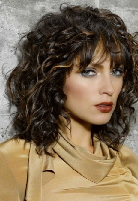 medium haircut styles for curly hair hairstyles for medium length curly hair 6406