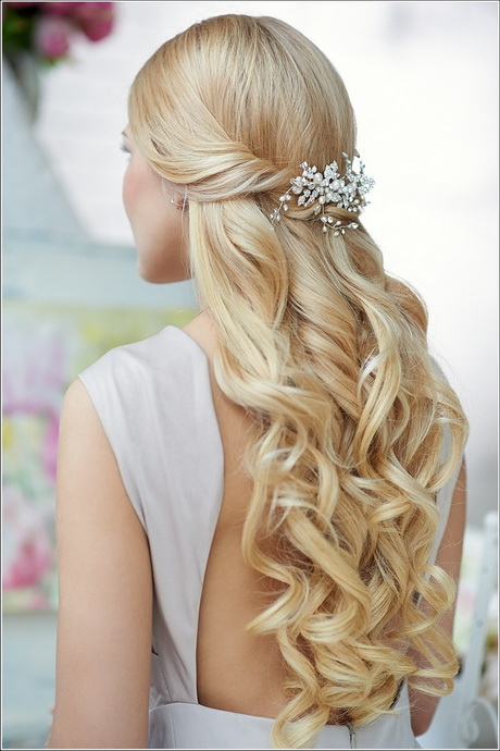 Half Up Half Down Curly Hairstyles