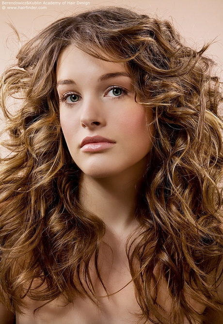 Layered haircuts for curly hair