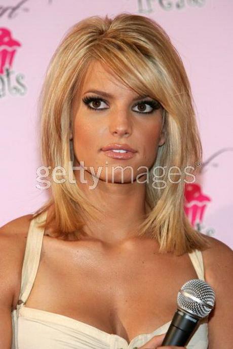 Oval Face Medium Length Hairstyles