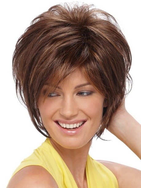Popular hairstyles for women over 40
