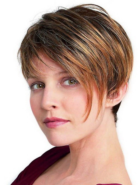 Short hairstyles for thick straight hair