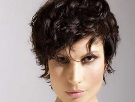 haircuts for small faces curly hairstyles 2073
