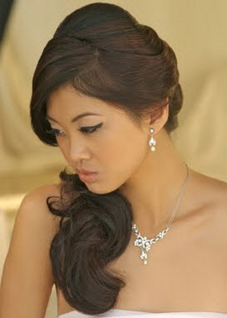 side sweep hair style side swept bridal hairstyles 4552