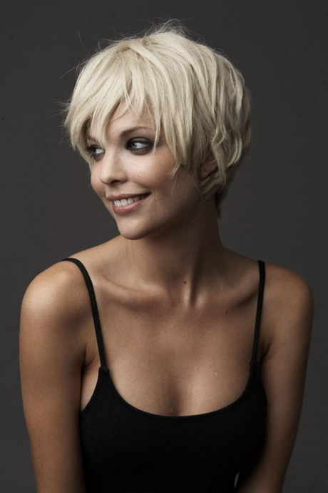 Very Short Hairstyles For Women Over 60-4318