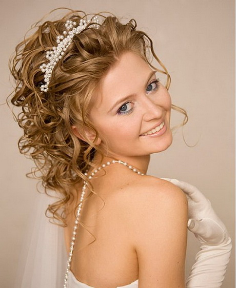 Long Curly Hair Wedding Hairstyles: Bridal Hairstyles For Long Curly Hair