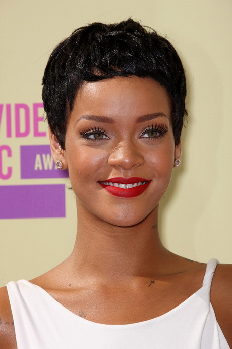 Rihannas hairstyles
