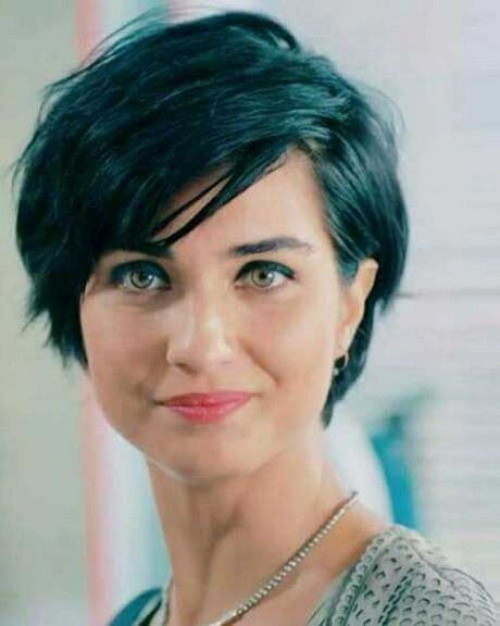 Short Haircuts 2019 For Round Faces