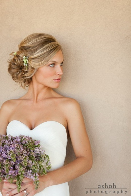 Hairstyle Ideas for Wedding Day
