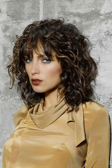 Curly medium length hairstyles 2018