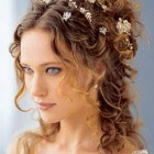 Curly hair wedding styles