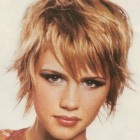 Feathered hairstyles for short hair