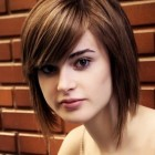 Medium layered haircuts for round faces