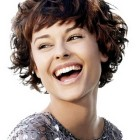 Short haircuts for girls with curly hair