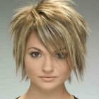 Short haircuts for round faces women