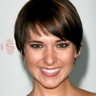 Short haircuts for thin straight hair