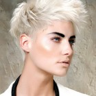 Short haircuts for thinning hair