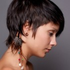 Short haircuts for women with straight hair
