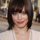 Short to medium haircuts for women