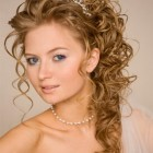 Wedding hair ideas for curly hair