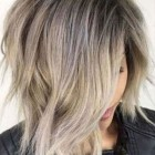 2021 medium hair trends