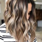Hairstyle and color for 2021