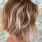 Short hairstyles and colours 2021