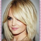 Short layered hairstyles 2021