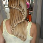 Way to braid hair