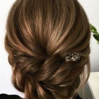 Bridesmaid updos for medium hair