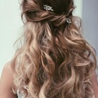 Pretty prom hairstyles for long hair