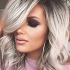 Medium blonde hairstyles 2019