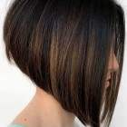 Short hairstyle 2021 for round face