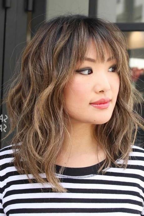 Short hairstyles 2021 with bangs