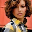 Short hair for curly hair round face