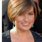Short hairstyles for wide faces