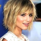 Best medium haircuts for thin hair